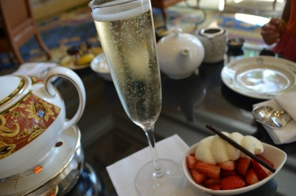 champagne-and-strawberries-small