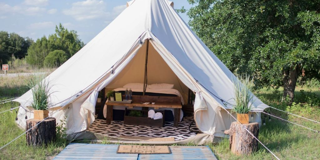 Adventurous New Date Night Experiences to try This Summer - Glamping at Lake Louisa State Park